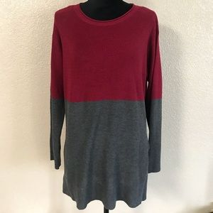 Vince Camuto maroon and gray long sleeve Medium